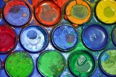 Rysunkowa mokra kolorowa paleta, artysty ` s jaskrawa kolorowa paleta, zakończenie up Zdjęcia Royalty Free