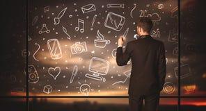 Rysunkowy biznesmen z ogólnospołecznym medialnym ikony tłem Zdjęcia Stock