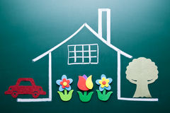 Rysunkowy dom na blackboard Zdjęcie Royalty Free