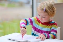 rysunkowy dziewczyny trochę papier Fotografia Stock