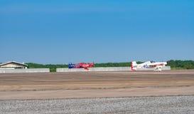 Ryszard Zadow ` s samolot żadny 15 i układu scalonego Mapoles ` s samolot żadny 40 zdejmowali w powietrze rasy 1 pucharze świata  obraz royalty free