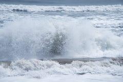 Rytm av havvågor royaltyfri fotografi