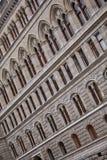Rytm i arkitektur av byggnad Abstrakt fotografi av fasadbyggnad royaltyfria foton