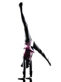 Rytmicznych gimnastyk małej dziewczynki dziecka sylwetka zdjęcie stock