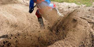 Ryttare för motocrossloppdamm Fotografering för Bildbyråer