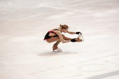 Rywalizacj dziewczyn postaci łyżwiarka Zdjęcie Royalty Free