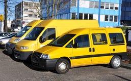 Rząd żółci samochody zdjęcie stock