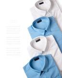 Rząd białe i błękitne męskie koszula Fotografia Royalty Free