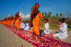 Rząd Buddyjscy podwyżka michaelita na ulicie. Obraz Royalty Free