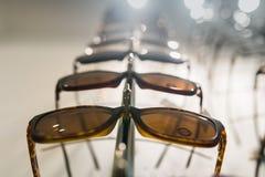 Rząd eyeglass przy okuliści obraz stock