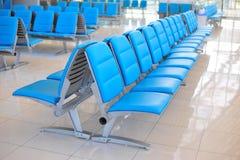 rząd jawny krzesło dla ludzi czeka spotykać Obrazy Stock