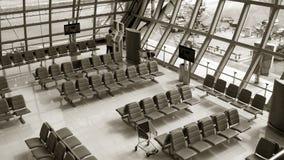 Rząd krzesło przy lotniskiem obrazy stock