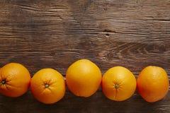 Rząd organicznie pomarańcze zdjęcie stock