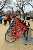 Rząd rowery dla czynszu, robi mu łatwy dostawać wokoło miasta, W centrum Waszyngton, Dc, 2015 Fotografia Stock
