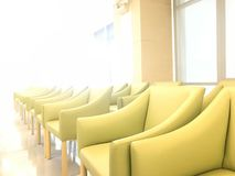 Rząd wygody zieleni kanapa w czekanie terenie korytarz szpital obraz stock