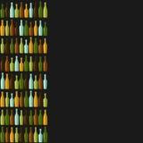 Rzędy różne butelki na czarnym tle Obraz Stock