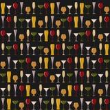 Rzędy różni szkła na czarnym tle Zdjęcia Stock