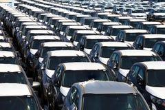 Rzędy nowi samochody Zdjęcia Stock