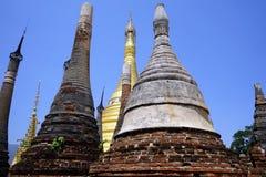 Rzędy stupas Zdjęcie Stock