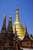 Rzędy stupas Zdjęcia Stock