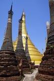 Rzędy stupas Obrazy Stock