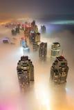 Rzadka zima ranku mgła w Dubaj, UAE - 05/DEC/2016 Obraz Stock