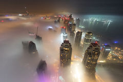 Rzadka zima ranku mgła w Dubaj, UAE - 05/DEC/2016 Zdjęcia Royalty Free