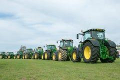 Rząd John Deere ciągniki przy przedstawieniem Fotografia Royalty Free