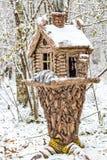 Rzeźba buda w zima parku obraz stock