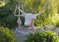 Rzeźba byk z trójzębem w jego ręce Australia Fotografia Stock