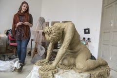 Rzeźba dedykująca Istanbuł konwencja dla kobiety ` s wyprostowywa fotografia stock
