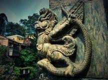 Rzeźba Garuda blisko świątynnego Pashupatinath w Kathmandu Zdjęcia Stock
