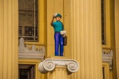 Rzeźba listonosz buduje Manila przy urzędem pocztowym Filipiny obrazy royalty free