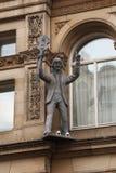 Rzeźba Paul McCartney na okapach dom w Liverpool obrazy stock
