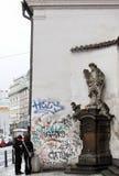 Rzeźba przy katedrą w Praga Zdjęcia Stock