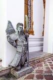 Rzeźba strażnik w Wata Pho świątyni, Bangkok, Tajlandia Zdjęcia Stock