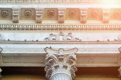 Rzeźbeni szczegóły Kazan Katedralna kolumnada w Petersburg, Rosja fotografia royalty free
