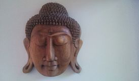 Rzeźbiący Buddha Stawia czoło Obrazy Stock