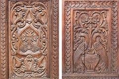 Rzeźbiący drewniany drzwi Obraz Royalty Free
