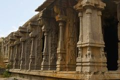 Rzeźbiący filary Kalyana Mandapa, Boski małżeństwo Hall, Achyuta Raya świątynia, Hampi, Karnataka Święty centrum Ogólny widok fr fotografia royalty free