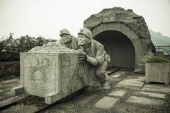 Rzeźbiący kamień w Jiufen fotografia royalty free