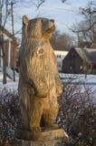Rzeźbiący niedźwiedź Obrazy Stock