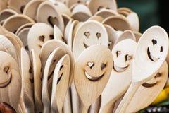 Rzeźbić drewniane łyżki, ikonowe twarze zdjęcia royalty free