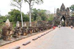 Rzeźby demony przy południe bramą Angkor Thom, Kambodża Fotografia Royalty Free