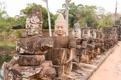 Rzeźby demony przy południe bramą Angkor Thom, Kambodża Zdjęcie Royalty Free