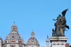 Rzeźba przy piazza Venezia w Rome Zdjęcia Stock