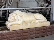 Rzeźba slumbering lew fotografia stock