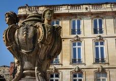 Rzeźba w centrum bordowie Fotografia Stock
