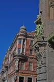 Rzeźbi na Komediowym teatru budynku na Nevskiy perspektywie w St Petersburg Zdjęcie Stock