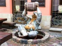 Rzeźby fontanna w wino kawiarni, Lviv Fotografia Stock